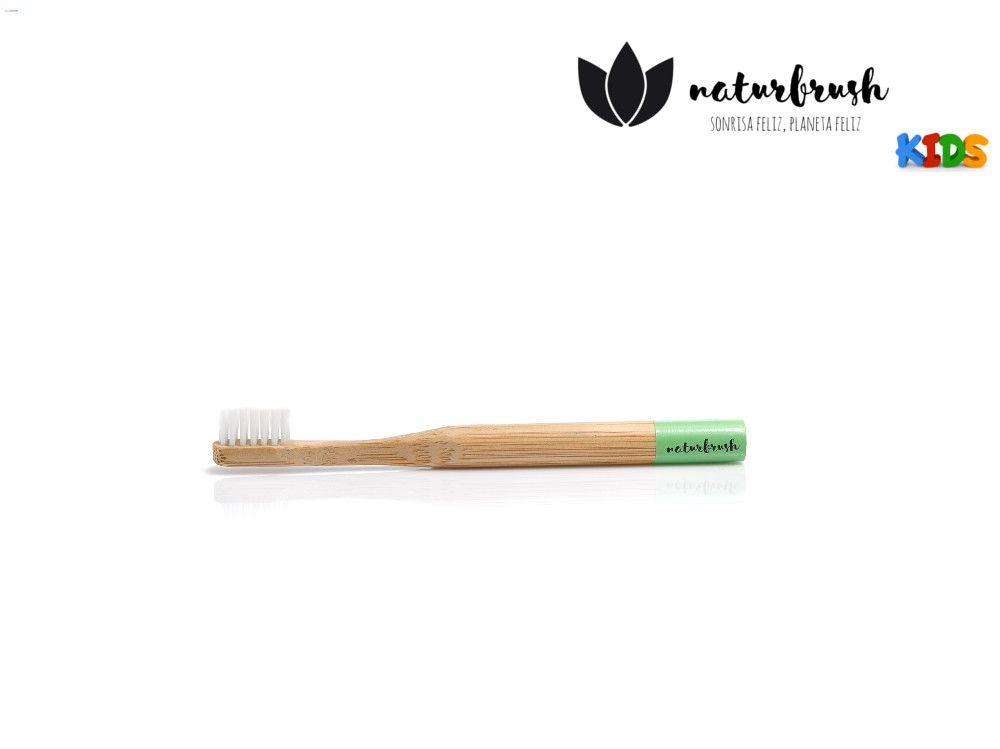 cepillo dental verde para niños